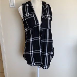 Hurley plaid button up sleeveless shirt